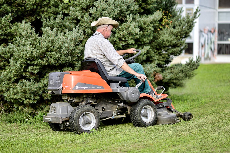 Venkovní úklid a údržba zeleně